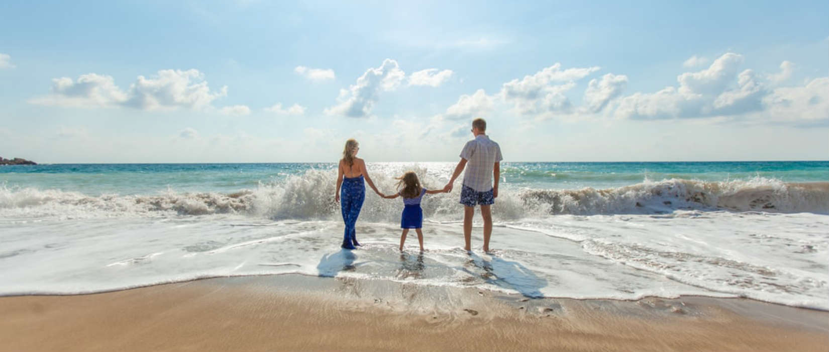 Different families have different dreams of what makes up a memorable family holiday. Some may want to treat their loved ones, while others may want to spend a day building sandcastles at the beach. Whatever the reason may be, figuring out how to hold that perfect family holiday can be more difficult than it seems.